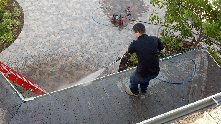 Benefits Of Pressure Washing And Hiring A Professional For